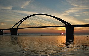 Sonnenuntergang an der Fehmarn-Sund-Bruecke