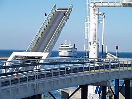 Puttgarden mit Scandline-Faehrschiff